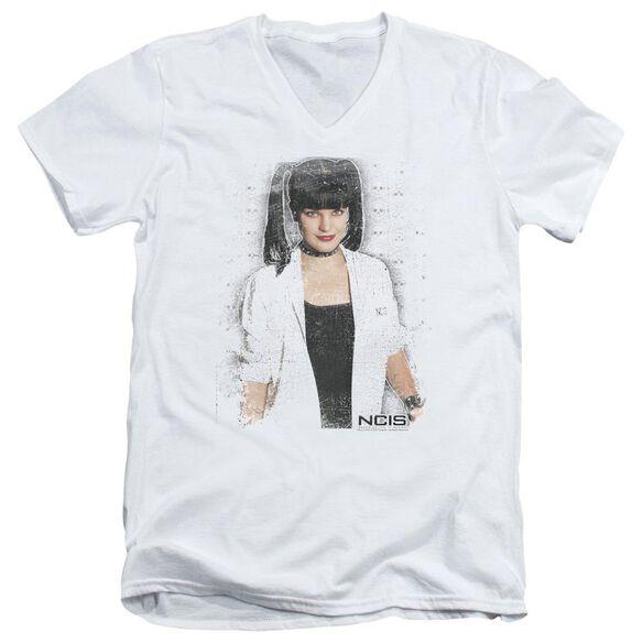 Ncis Abby Skulls Short Sleeve Adult V Neck T-Shirt