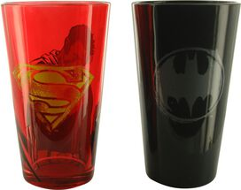 Justice League Batman Superman Pint Glass Set