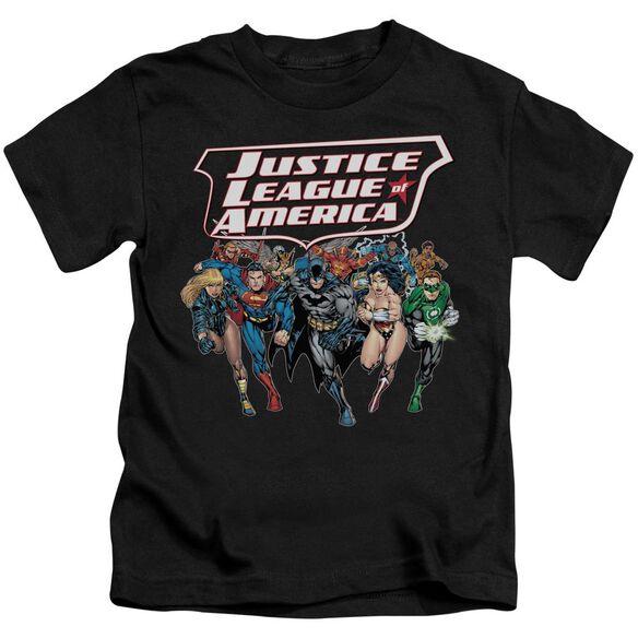 Jla Charging Justice Short Sleeve Juvenile Black T-Shirt