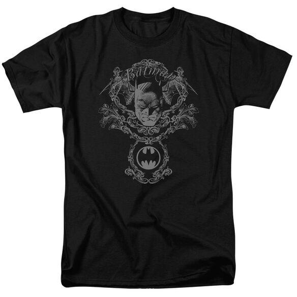 BATMAN DARK KNIGHT HERALDRY - S/S ADULT 18/1 - BLACK T-Shirt