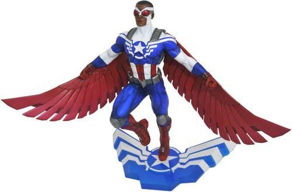 Diamond Select Toys: Marvel Gallery Captain America Sam Wilson PVC Statue