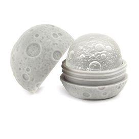 Kikkerland Ice Ball Moon