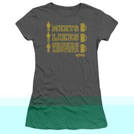 CHEERS MAN MEETS BEER - S/S JUNIOR SHEER - CHARCOAL T-Shirt