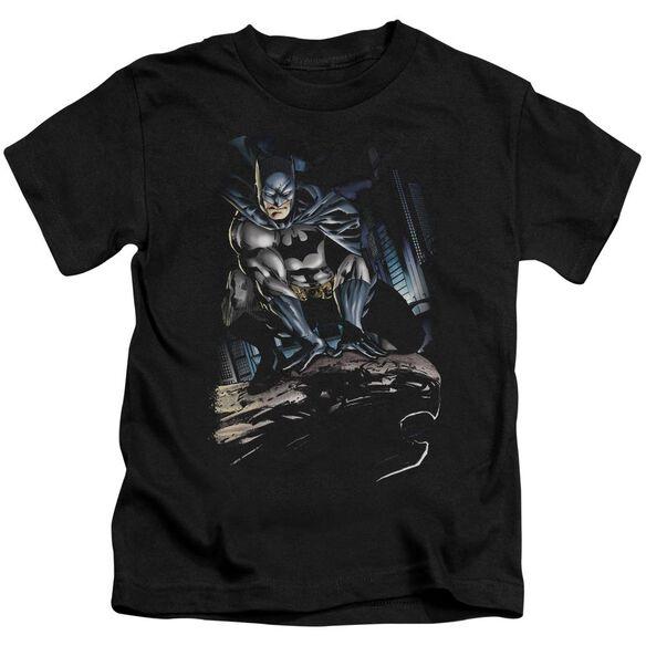 Batman Perched Short Sleeve Juvenile Black T-Shirt