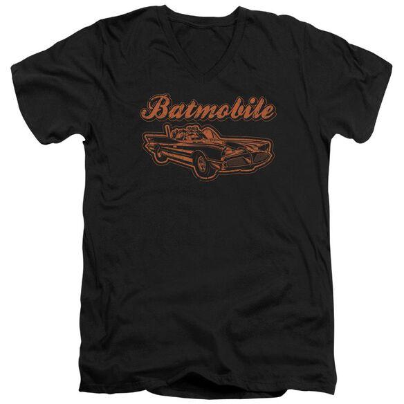 BATMAN BATMOBILE - S/S ADULT V-NECK - BLACK T-Shirt
