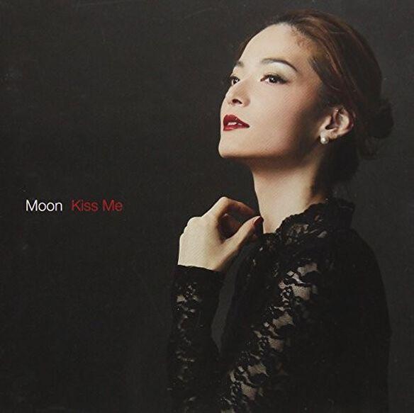 Moon - Kiss Me