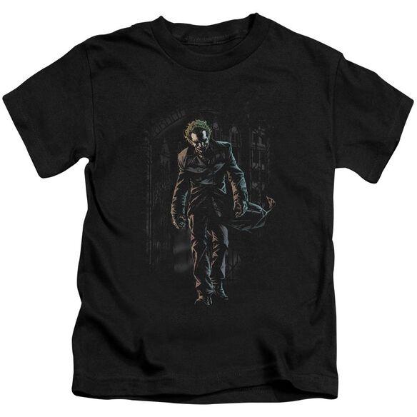 Batman Joker Leaves Arkham Short Sleeve Juvenile Black T-Shirt