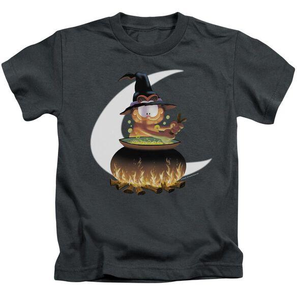 Garfield Stir The Pot Short Sleeve Juvenile Charcoal T-Shirt
