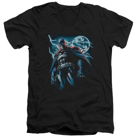 BATMAN STORMY KNIGHT - S/S ADULT V-NECK - BLACK T-Shirt
