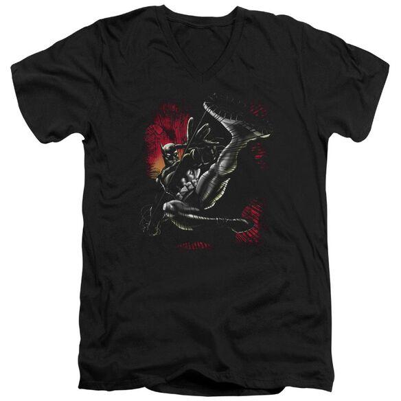 BATMAN KICK SWING - S/S ADULT V-NECK - BLACK T-Shirt