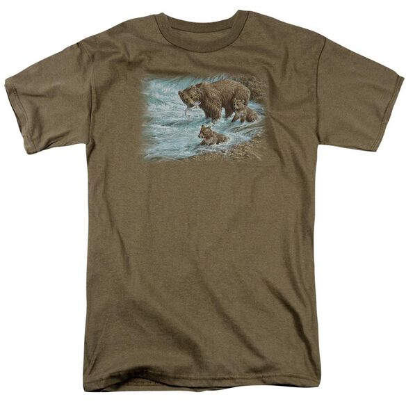 Wildlife Alaskan Brown Bear Short Sleeve Adult Safari Green T-Shirt