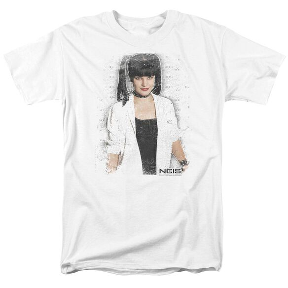 Ncis Abby Skulls Short Sleeve Adult T-Shirt