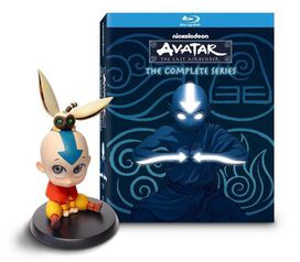 Avatar: The Last Airbender - The Complete Series [Exclusive Blu-ray & Aang Figurine]