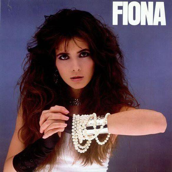 Fiona (W/Book)