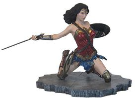 Diamond Select Toys: DC Gallery Justice League Movie Wonder Woman PVC Figure