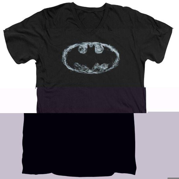 BATMAN SMOKE SIGNAL - S/S ADULT V-NECK - BLACK T-Shirt