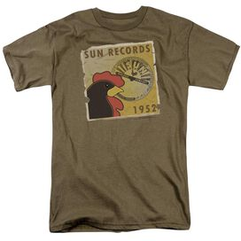Sun Distrsd Rooster Poster 1952 Short Sleeve Adult Safari Green T-Shirt