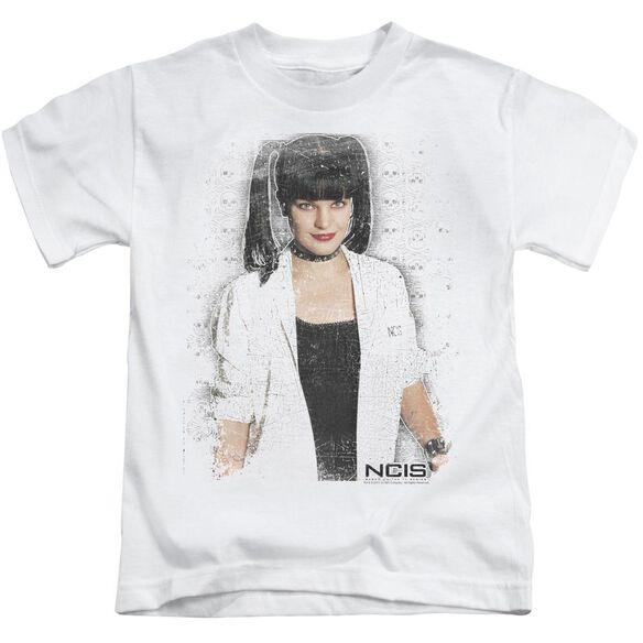 Ncis Abby Skulls Short Sleeve Juvenile White Md T-Shirt
