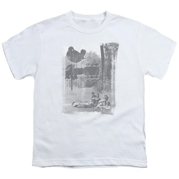 Woodstock Hippies In A Field Short Sleeve Youth T-Shirt