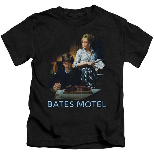 Bates Motel Die Alone Short Sleeve Juvenile Black Black T-Shirt