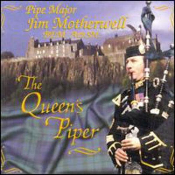 Queen's Piper